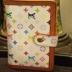Authentic Louis Vuitton wallet how to color white